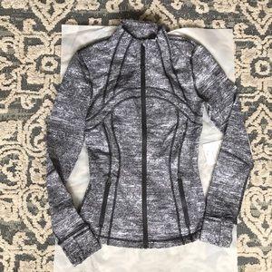 Lululemon define jacket size 4